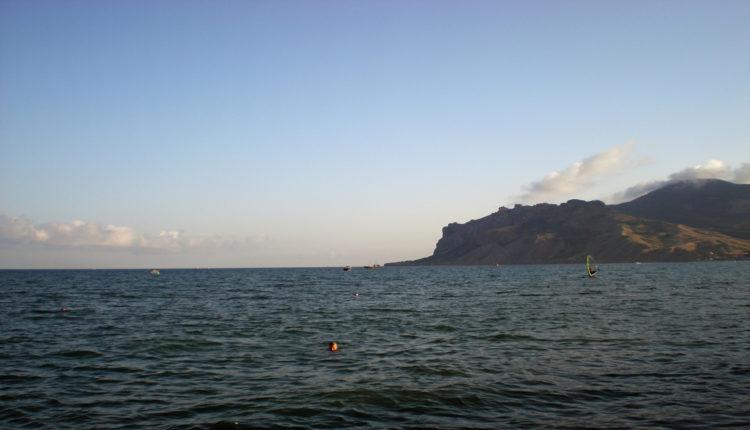 Мне «море Черное шумит, не умолкая».